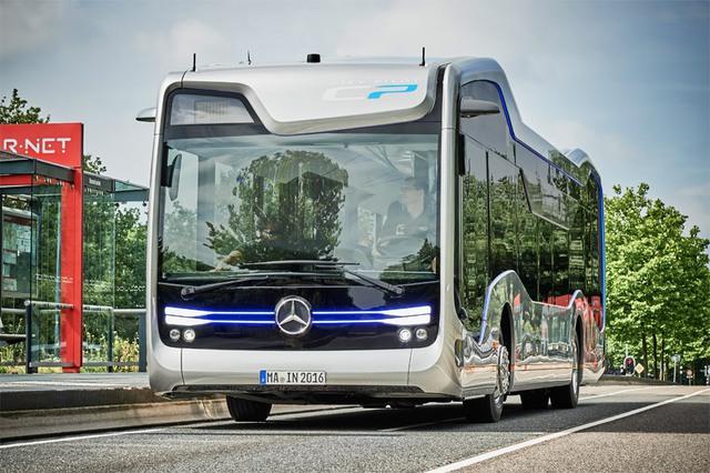 THACO lắp ráp xe buýt Mercedes-Benz tại Việt Nam, thâu tóm mảng xe thương mại - Ảnh 3.