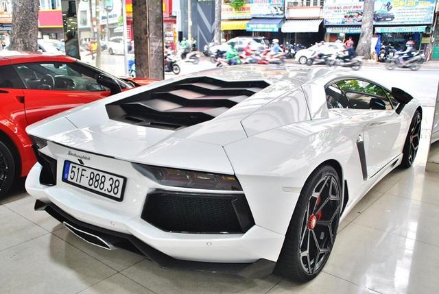 Qua tay nhiều đại gia và được độ kỳ công, Lamborghini Aventador chính hãng đầu tiên Việt Nam được dỡ đồ bán lại giá 19 tỷ đồng - Ảnh 2.