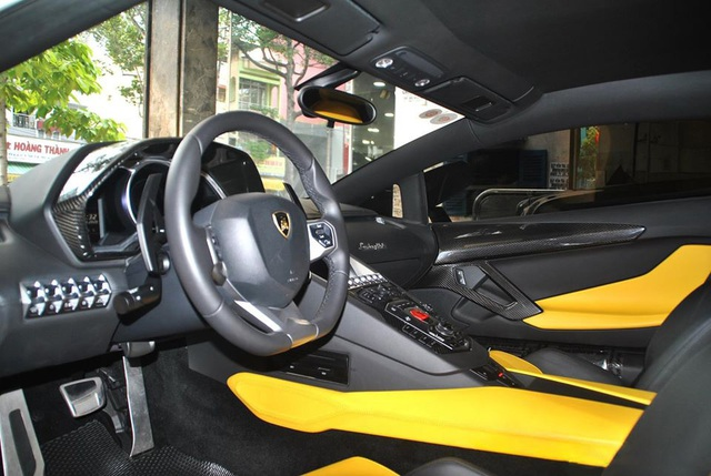 Qua tay nhiều đại gia và được độ kỳ công, Lamborghini Aventador chính hãng đầu tiên Việt Nam được dỡ đồ bán lại giá 19 tỷ đồng - Ảnh 5.