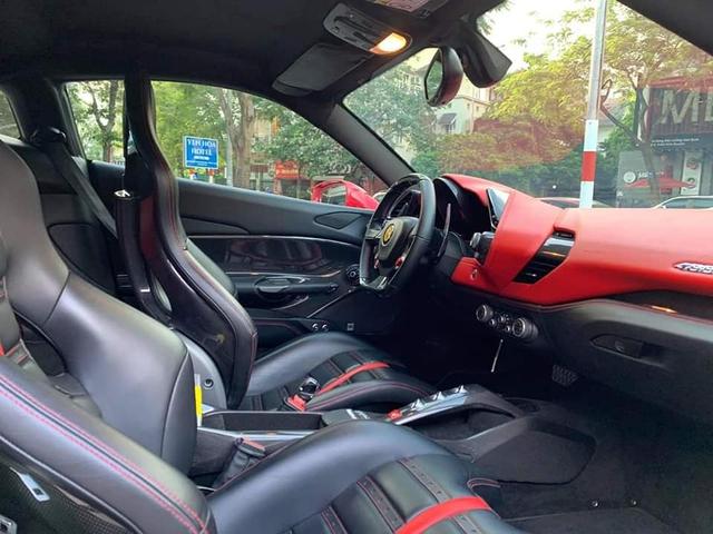 Ferrari 488 GTB bán lại chỉ 6,8 tỷ sau 5 năm, rẻ hơn cả Mercedes-Benz S-Class 2020 - Ảnh 3.