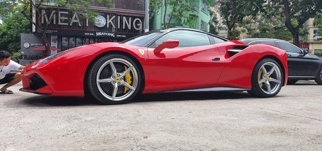 Ferrari 488 GTB bán lại chỉ 6,8 tỷ sau 5 năm, rẻ hơn cả Mercedes-Benz S-Class 2020