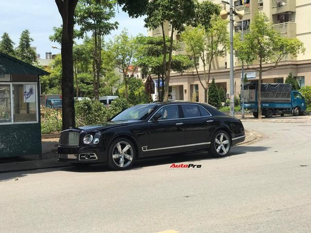 Bắt gặp Bentley Mulsanne Speed đời mới cực hiếm tại Việt Nam, giá bán là chi tiết khiến nhiều người tò mò - Ảnh 1.
