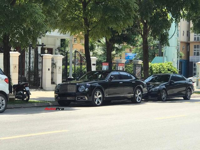 Bắt gặp Bentley Mulsanne Speed đời mới cực hiếm tại Việt Nam, giá bán là chi tiết khiến nhiều người tò mò - Ảnh 2.