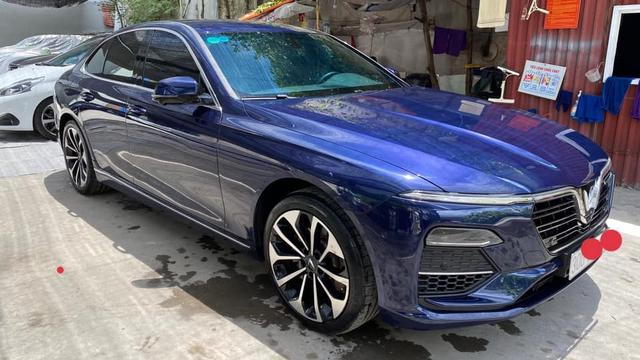 VinFast Lux A2.0 bán lại giá hơn 1 tỷ đồng sau 5.000km, chủ nhân là đại gia thay xe như thay áo - Ảnh 4.