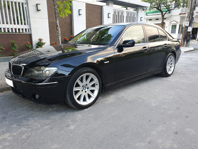[20h Xe Cũ] Khấu hao như BMW 750 Li 2007, giá xe sau 13 năm rẻ hơn tiền đóng phí trước bạ khi mua mới - Ảnh 1.