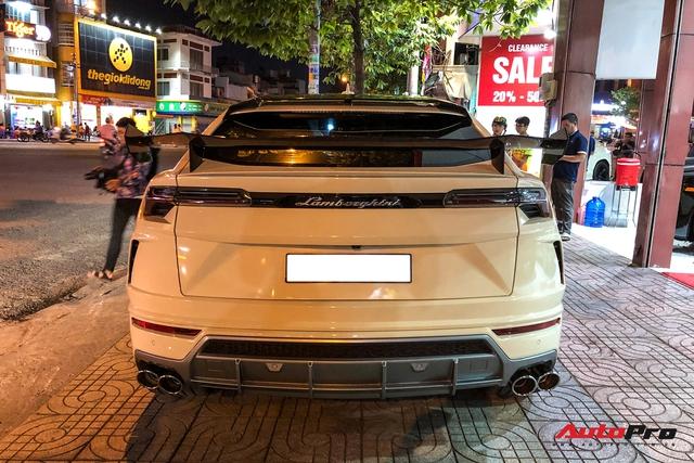 Đại gia Bạc Liêu tậu Lamborghini Urus cũ Minh nhựa, độ thêm một chi tiết đắt giá trước khi nhận xe - Ảnh 7.