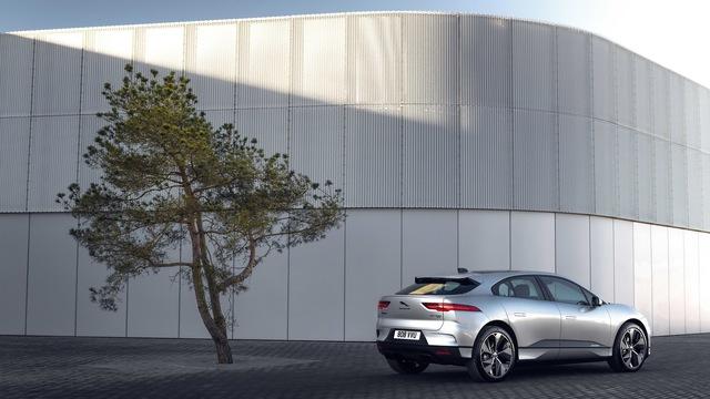 Jaguar sắp chỉ có xe rẻ nhất cũng quy đổi từ 3 tỷ đồng, lên chung mâm với Bentley - Ảnh 2.