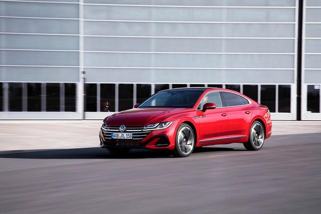 Ra mắt Volkswagen Arteon mới - Nỗ lực hoàn thành giấc mơ sang hoá sedan  - Ảnh 1.