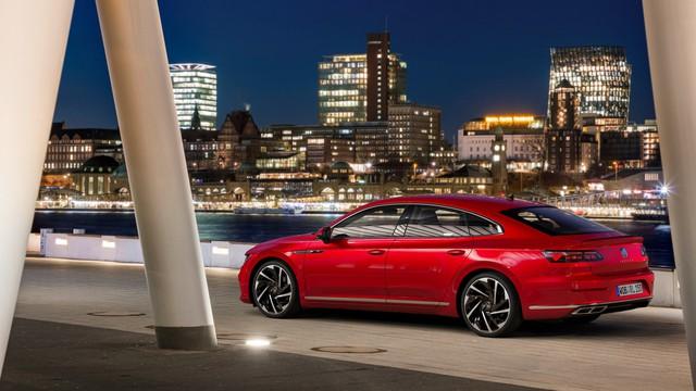 Ra mắt Volkswagen Arteon mới - Nỗ lực hoàn thành giấc mơ sang hoá sedan  - Ảnh 4.