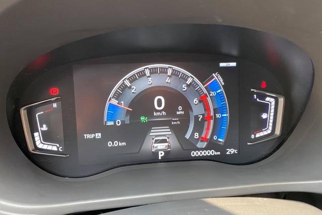 Mitsubishi Outlander đầu tiên Việt Nam nâng cấp đồng hồ điện tử 'full' chức năng, chủ xe tốn hơn 25 triệu đồng và 1 tuần nghiên cứu - Ảnh 2.