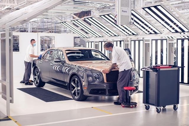 Đây là những chiếc Bentley Mulsanne cuối cùng mà đại gia Việt có thể đặt hàng cho riêng mình - Ảnh 1.