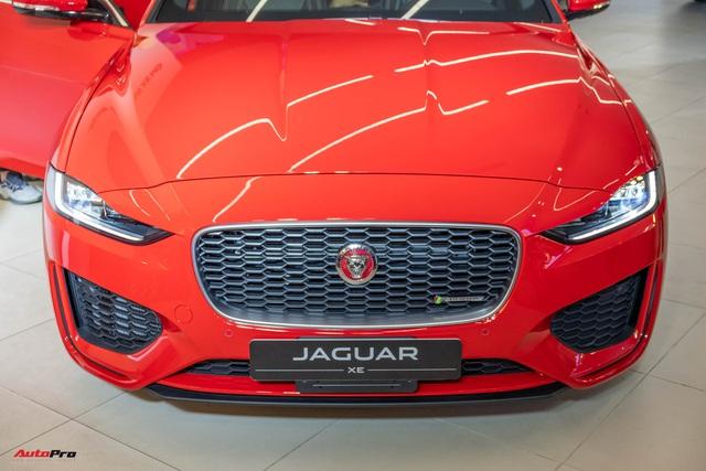 Ra mắt Jaguar XE 2020 giá từ hơn 2,6 tỷ đồng: Đối trọng Mercedes-Benz C-Class giá ngang ngửa E-Class - Ảnh 2.