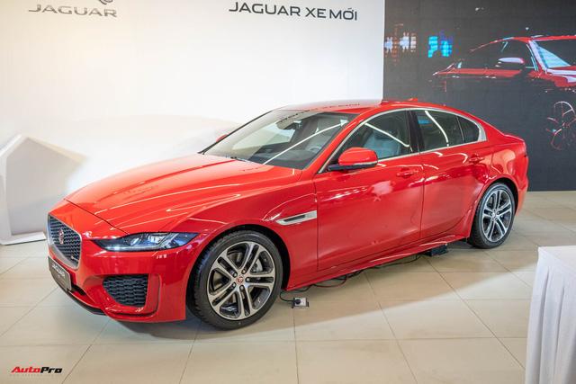 Ra mắt Jaguar XE 2020 giá từ hơn 2,6 tỷ đồng: Đối trọng Mercedes-Benz C-Class giá ngang ngửa E-Class - Ảnh 1.