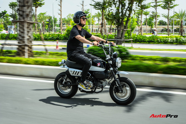 Rong plays day by day on Honda Monkey like clam monkeys on Vietnamese streets - Photo 5.