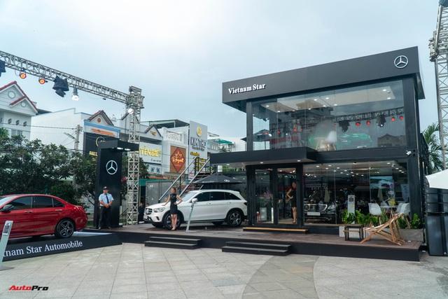 Khám phá showroom Mercedes-Benz di động lạ lẫm đầu tiên tại Việt Nam: Có thể đi muôn nơi, tiếp cùng lúc 20 khách hàng - Ảnh 2.