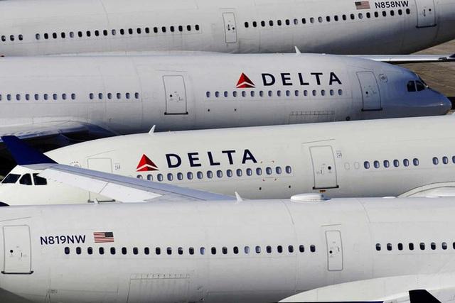 La liệt máy bay nằm không tại sân bay trên khắp thế giới - Ảnh 14.