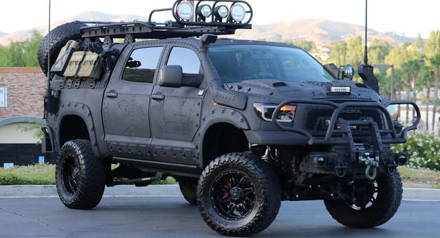 Quái thú Toyota Tundra vơi gói trang bị TRD Off-Road - Ảnh 1.