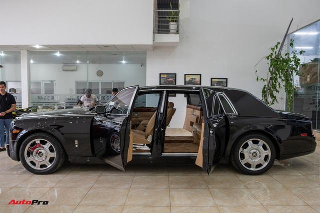 Xe siêu sang Rolls-Royce Phantom EWB đời 2008 còn lại gì sau 12 năm sử dụng? - Ảnh 3.