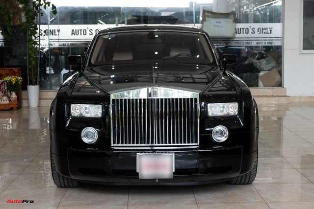 Xe siêu sang Rolls-Royce Phantom EWB đời 2008 còn lại gì sau 12 năm sử dụng? - Ảnh 2.