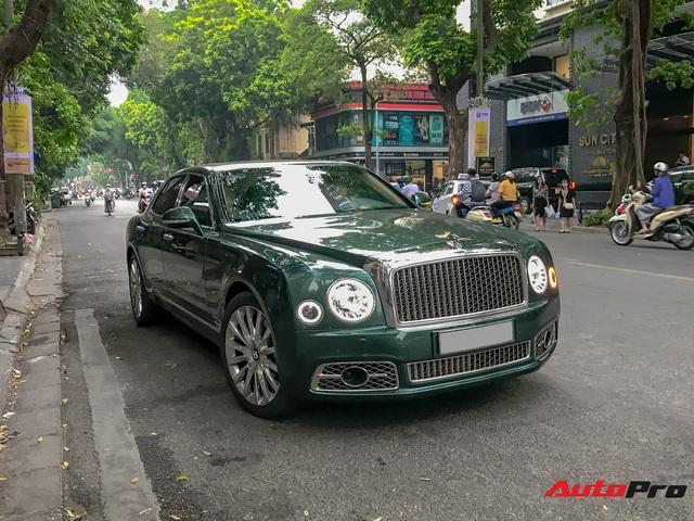 Bentley Mulsanne First Edition với màu sơn độc từng gây xôn xao tại Phú Thọ xuất hiện tại Hà Nội - Ảnh 1.