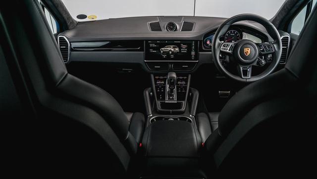 Mê SUV hiệu suất cao, chọn Porsche Cayenne Turbo hay Audi RS Q8? - Ảnh 3.