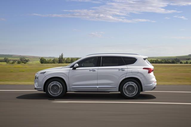 Hyundai Santa Fe 2021 lộ diện: Lột xác ngoại hình, nội thất học hỏi Palisade, sức ép lớn cho Mazda CX-8 - Ảnh 7.