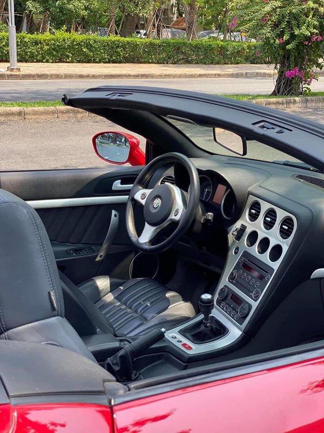 Xe chơi mui trần Alfa Romeo Spider độc nhất Việt Nam chào giá hơn 900 triệu đồng ngang ngửa Mazda6 2020 - Ảnh 3.
