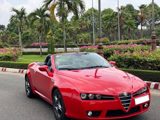 Xe chơi mui trần Alfa Romeo Spider độc nhất Việt Nam chào giá hơn 900 triệu đồng ngang ngửa Mazda6 2020 - Ảnh 4.
