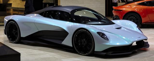 Kỳ công nửa tháng đổi màu Maserati GranTurismo với màu sơn tán sắc lấy cảm hứng từ hypercar Aston Martin Valhalla - Ảnh 5.