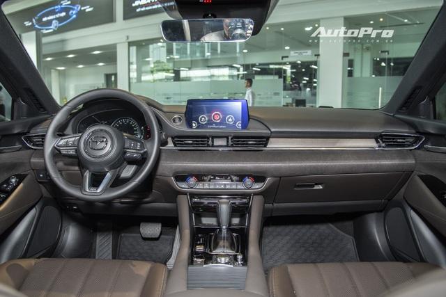 Mazda6 2020 chốt giá rẻ nhất 889 triệu đồng: Giẫm chân đàn em Mazda3, hưởng chính sách giảm 50% phí trước bạ - Ảnh 3.