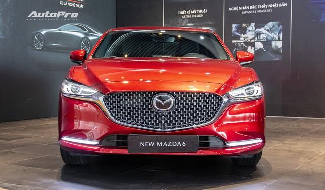 Mazda6 2020 chốt giá rẻ nhất 889 triệu đồng: Giẫm chân đàn em Mazda3, hưởng chính sách giảm 50% phí trước bạ - Ảnh 1.