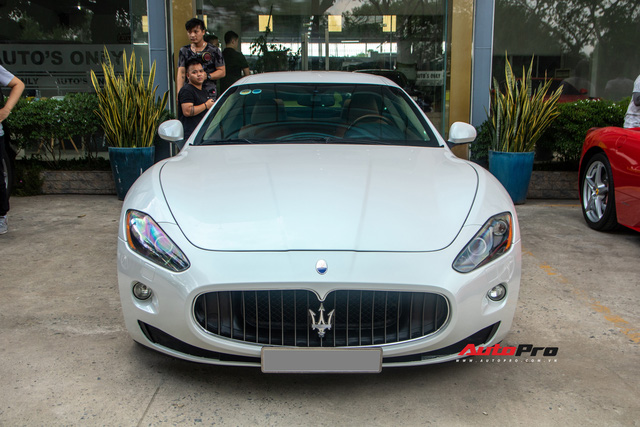 Kỳ công nửa tháng đổi màu Maserati GranTurismo với màu sơn tán sắc lấy cảm hứng từ hypercar Aston Martin Valhalla - Ảnh 2.