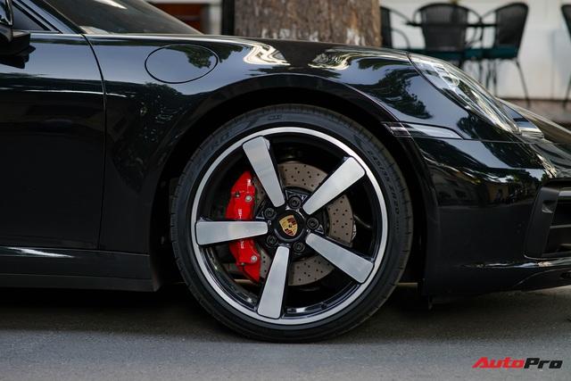 Bắt gặp Porsche 911 Carrera S thế hệ mới với nhiều tuỳ chọn đắt tiền tại Hà Nội, sở hữu bộ mâm có lịch sử đặc biệt - Ảnh 5.