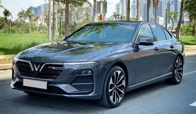 Chủ xe bán VinFast Lux A2.0 sau 4.000km, giá ngang xe mới được hỗ trợ 100% trước bạ - Ảnh 1.