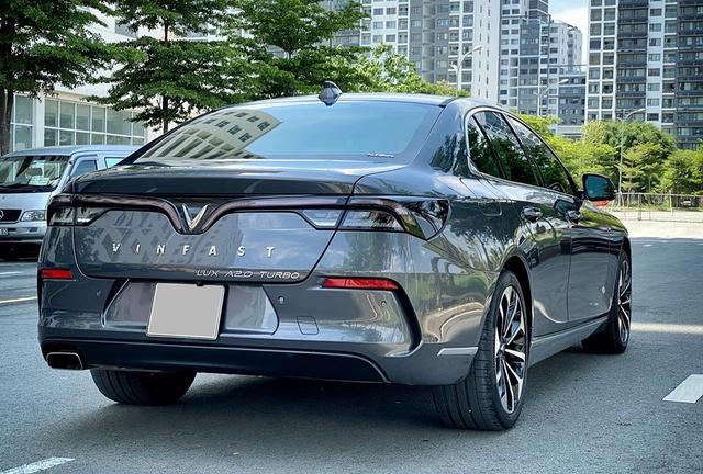 Chủ xe bán VinFast Lux A2.0 sau 4.000km, giá ngang xe mới được hỗ trợ 100% trước bạ - Ảnh 2.