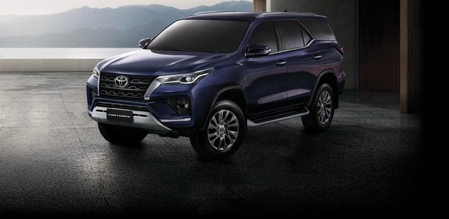 Ra mắt Toyota Fortuner 2021 - Vua SUV 7 chỗ sửa thiết kế, đáp trả Hyundai Santa Fe - Ảnh 1.