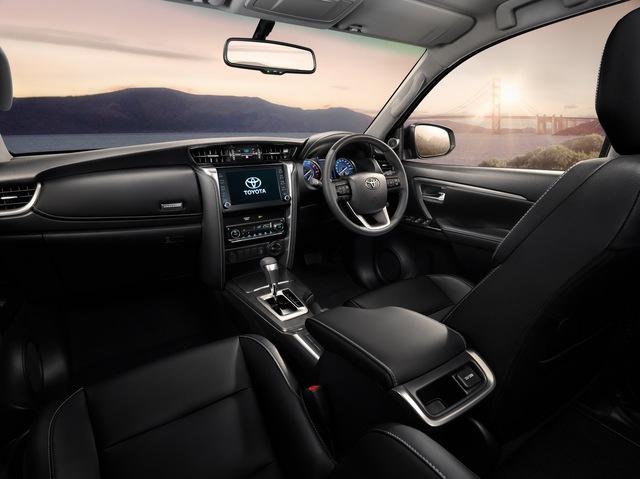 Ra mắt Toyota Fortuner 2021 - Vua SUV 7 chỗ sửa thiết kế, đáp trả Hyundai Santa Fe - Ảnh 6.