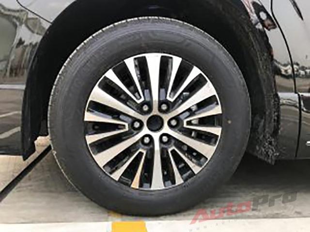 Lộ ảnh và trang bị trên Toyota Granvia giá hơn 3 tỷ đồng sắp ra mắt Việt Nam: Máy diesel, ghế thương gia, nhiều công nghệ hiện đại - Ảnh 2.