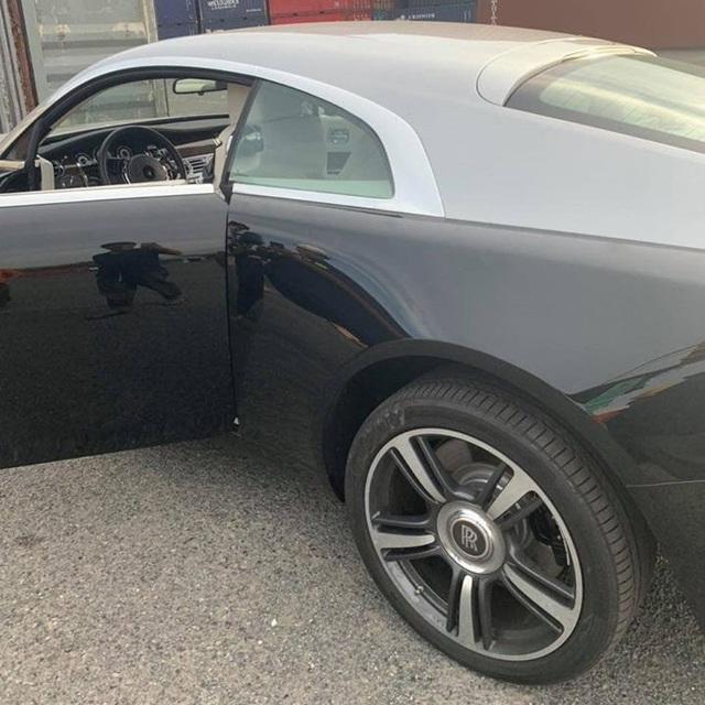 Thêm Rolls-Royce Wraith về Việt Nam: Năm sản xuất và giá rẻ bất ngờ - Ảnh 4.