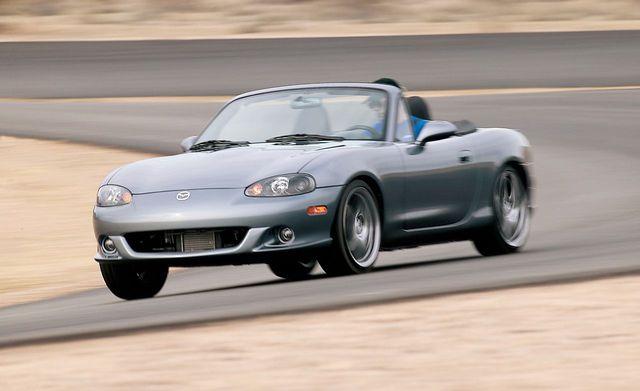 10 xe khẳng định tên tuổi Mazda: CX-5 gây bất ngờ khi lạc tông nhất - Ảnh 7.