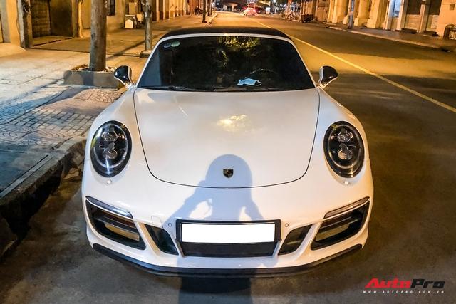 Porsche 911 Targa 4 GTS độc nhất Việt Nam của đại gia Đà Lạt tái xuất trên đường phố Sài Gòn sau nửa năm vắng bóng - Ảnh 3.