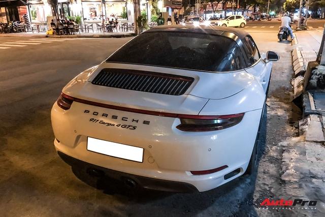 Porsche 911 Targa 4 GTS độc nhất Việt Nam của đại gia Đà Lạt tái xuất trên đường phố Sài Gòn sau nửa năm vắng bóng - Ảnh 5.