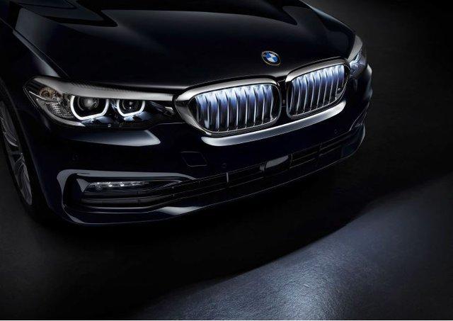 Lưới tản nhiệt phát sáng BMW Iconic Glow - Cách tiêu tiền thoả thú vui của nhà giàu - Ảnh 2.