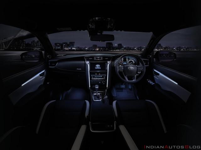 Quên TRD Sportivo đi, Toyota Fortuner giờ có bản thể thao Legender đẹp và xịn như Lexus qua bộ ảnh chi tiết mới - Ảnh 5.