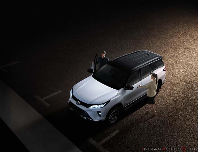 Quên TRD Sportivo đi, Toyota Fortuner giờ có bản thể thao Legender đẹp và xịn như Lexus qua bộ ảnh chi tiết mới - Ảnh 10.