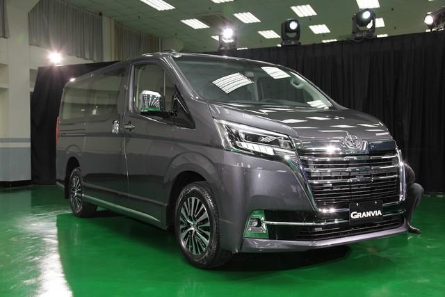 Toyota Granvia ra mắt tại Việt Nam: Giá từ 3,072 tỷ, nhập Nhật, 9 chỗ cho khách VIP - Ảnh 1.