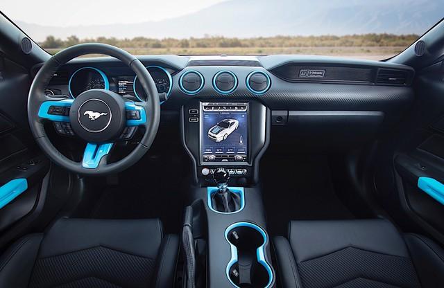 Ford Mustang sẽ có bán tải và cả coupe 4 cửa đấu Porsche Panamera - Ảnh 2.