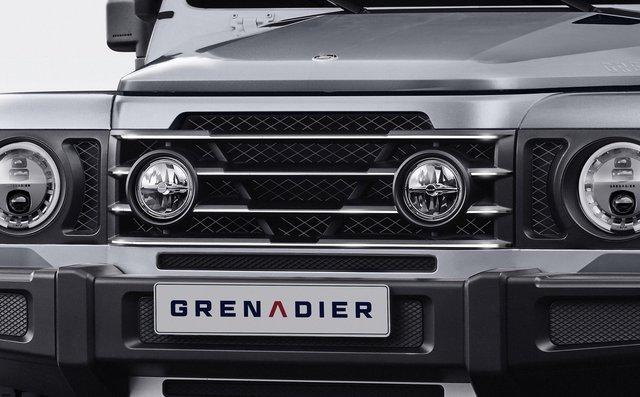 Nếu chê Land Rover Defender đời mới quá nữ tính thì đây là lựa chọn cho bạn - Ảnh 2.