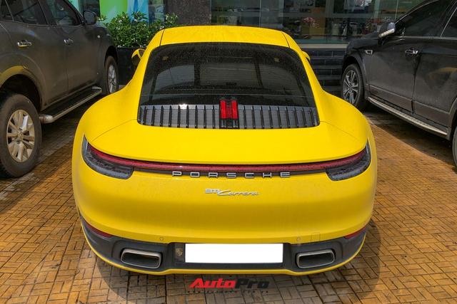 Đại gia Sài Gòn tậu Porsche 911 Carrera S thế hệ mới với màu vàng nổi bật - Ảnh 4.