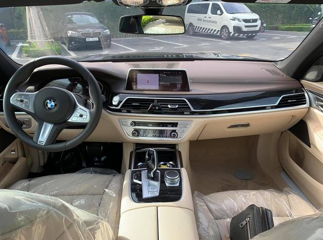 autopro bmw 740li m sport 2020 vn 101 15944891606731265822101 crop 1594510263673656697152 Hàng độc BMW 740Li M Sport 2020 về Việt Nam với 'option' siêu dị